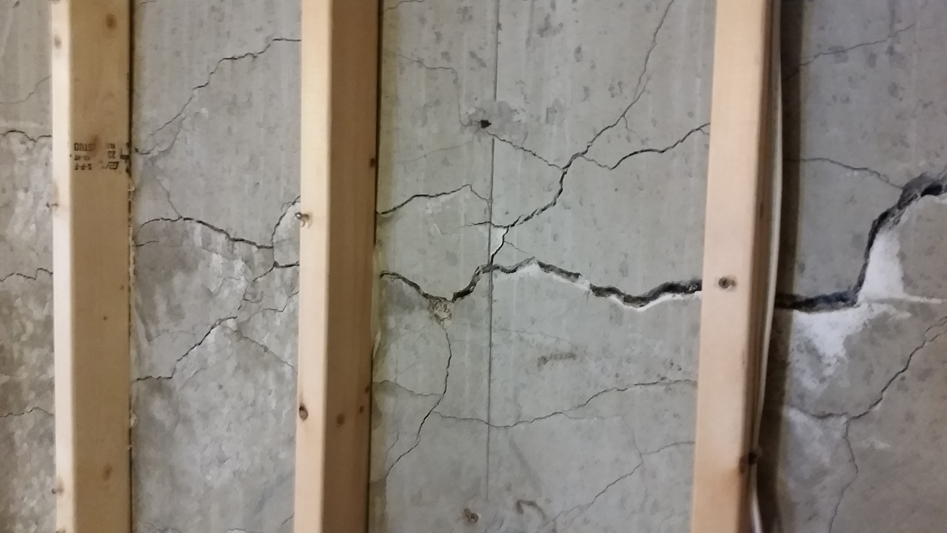 cracked foundation (image) Opens in new window